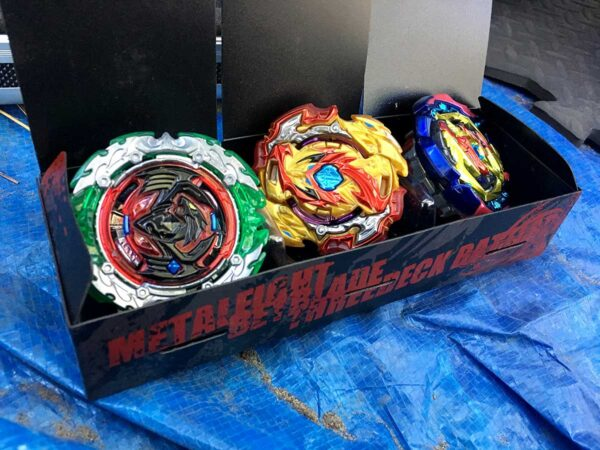 What is the best way to play Beyblade? (WBBA 3on3 Battle Format vs. WBO Deck Format)