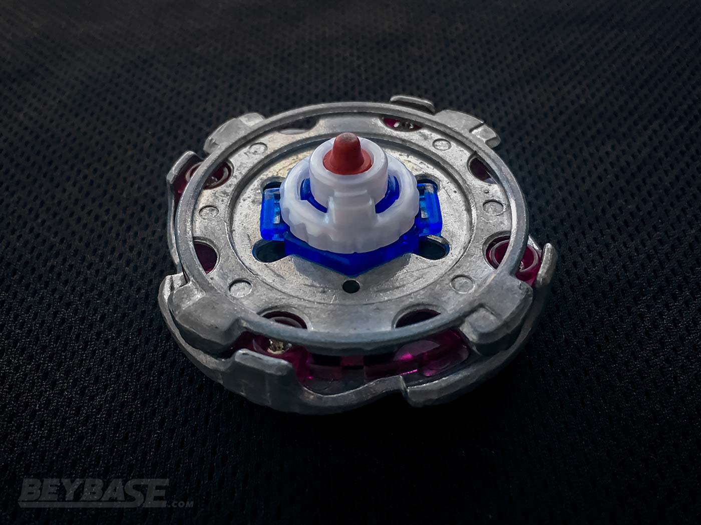 bottom view of mf-h jade uranus 90 rs beyblade combo
